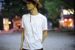 四万十川友美、愛と情熱に溢れた新作Tシャツ完成
