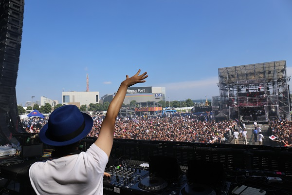 kz(livetune)、〈ULTRA JAPAN 2014〉で20,000人の観客を熱狂させる