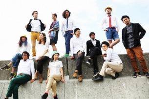 奇妙礼太郎トラベルスイング楽団、CMで話題の「オー・シャンゼリゼ」が製作陣再集結でドラマ仕立てのMVに
