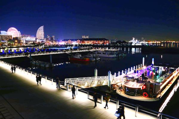 奇妙礼太郎、横浜の夜景をバックに船上ライヴ