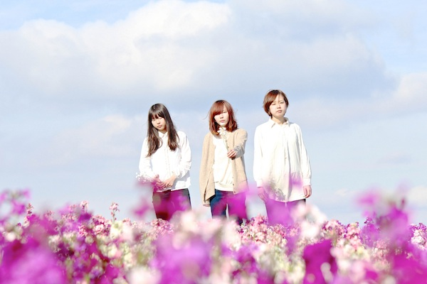 """ハードコアっぽいけどポップ、女子3人組""""血眼""""が全国デビュー!"""