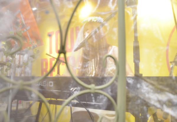 「ユリ熊嵐」で話題のボンジュール鈴木、1stフル・アルバム発売&初ワンマン・ライヴ決定