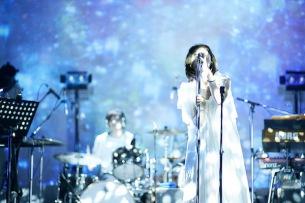 桐嶋ノドカ、メジャー決定後の決意「今生きている自分を大切にしよう」を込めた新曲披露——OTOTOYライヴ・レポート