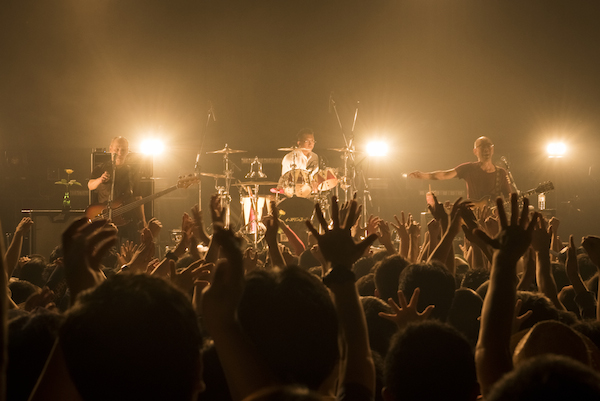 「俺たちeastern youth、旅はまだまだ続くんだ」ーー二宮友和、東京ラスト・ライヴをレポート
