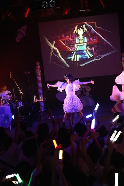 みみめめMIMI、約1年ぶり単独公演「ライヴがこんなに大きな存在になるとは思いませんでした」——OTOTOYライヴ・レポート