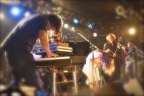 【ライヴ・レポート】タグチハナ、七夕にレコ発ファイナル「全身全霊で歌い続けていきたい」 クアトロ単独公演も発表