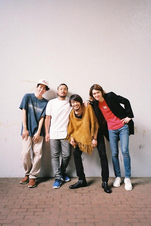 Niw! Recordsから注目の新鋭バンド CURTISSがミニ・アルバム発売