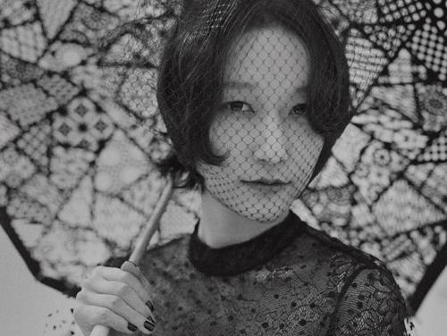 BOMIのお面シングル「Y.O.U」MV公開! 若手女優ら4人と夜の渋谷を駆ける