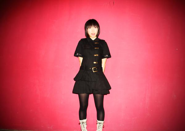 「清く正しく大暴れ!」破壊力抜群のアイドル・細胞彼女が1stアルバム発売