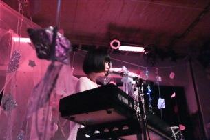 【ライヴ・レポート】ヒロネちゃん、20歳の誕生日にレコ発ワンマン「1stアルバムを出してから、いろんなことが変わりだした」