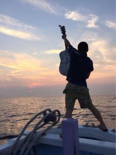 """ライヴ at 日本海上の漁船! 9名限定〈""""漁""""船上ライヴ!〉出航間近"""