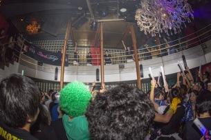 """EDMアイドル""""Stereo Tokyo""""が泡まみれ! 狂乱のパーティーをレポート"""