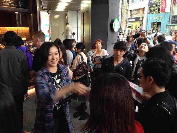 大森靖子、渋谷で出産の号外配布! 赤坂BLITZワンマンも決定