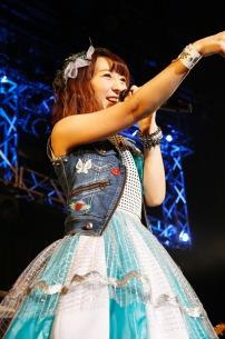飯田里穂、1stシングルは前山田健一の書き下ろし! 渋谷クアトロ公演も決定