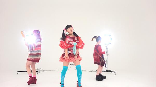 黒宮れい率いるBrats、初MV「十四歳病」公開! 松永天馬が作詞・作曲、スタイリングは東佳苗