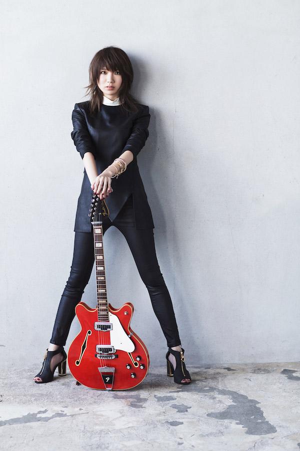 黒木渚の処女作が『en-taxi』に掲載、小説家として文壇デビュー