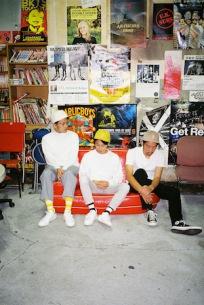KONCOS、吉田ヨウヘイ×西田修大Duo、音沙汰の3マン・ライヴが4月に開催