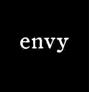 envyから深川哲也(Vo)が脱退、4人体制でバンド活動継続へ