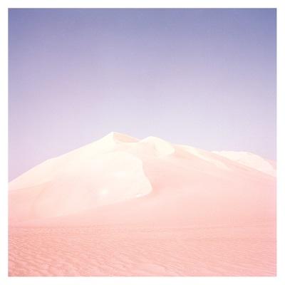 """Marla的最新专辑""""Mirrors""""将于6月发行,这部专辑将于今年发行"""