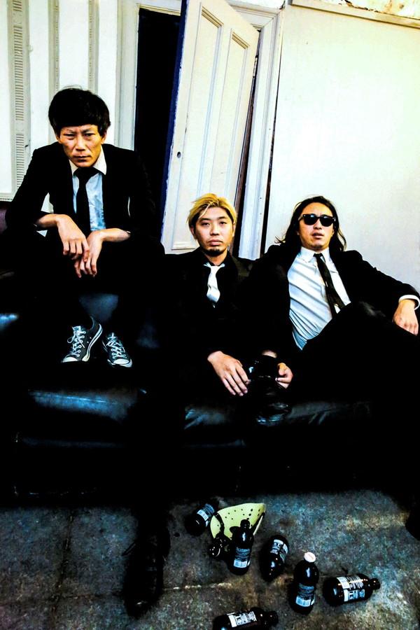 【ロックンロールの夏】THE NEATBEATS × KING BROTHERS × ザ50回転ズ、クアトロ・サーキット・ライヴ〈ROCK'N'ROLL EXPRESS!〉開催