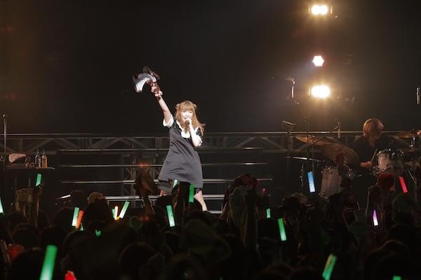 内田彩、初の日本武道館ワンマンで全持ち曲34曲を披露へ