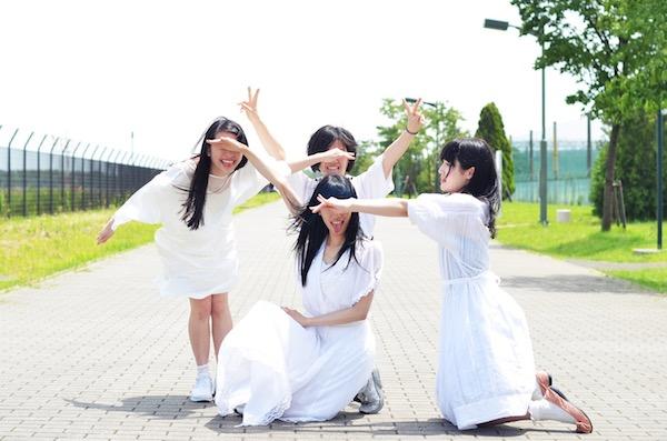 """ガールズ・ラップ・クルー""""校庭カメラガールツヴァイ""""、夏に6曲入りEPをリリース"""