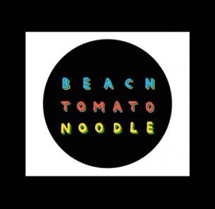 Tempalayとドミコが白昼のビーチパーティー〈BEACH TOMATO NOODLE〉開催