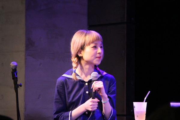 百瀬巡 デビュー・アルバム『mechanic』発売直前、音とトークで自らを語る-OTOTOYイベントレポ
