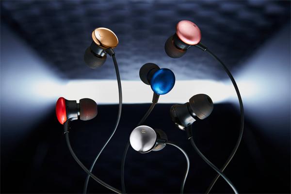 エレコムが創立30周年記念のイヤホン2機種を発売。ハイレゾ対応タイプも