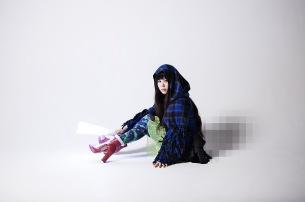 やくしまるえつこ、「27時間テレビ」イメージキャラクター・ニーナちゃんの声を即興アフレコで担当