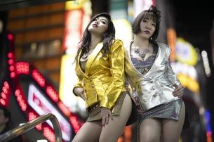 〈真夜中のベッドイン〉に、DJとしてアヴちゃん(女王蜂)、COMPUMAが追加出演決定!