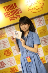 【ライヴ・レポート】里咲りさ、新アルバム発売記念のリリイベ開催「これでブレイクしなかったら恥ずかしい」