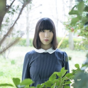 しずくだうみ、ベスト的な1stアルバム『都市の周縁』発売! ayU tokiOら迎えてレコ発