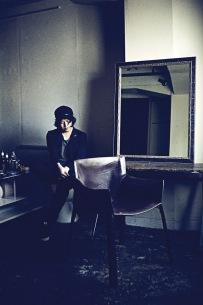 【デビュー10周年】長澤知之、ROVOの益子樹を迎えたミニ・アルバム『GIFT』発売
