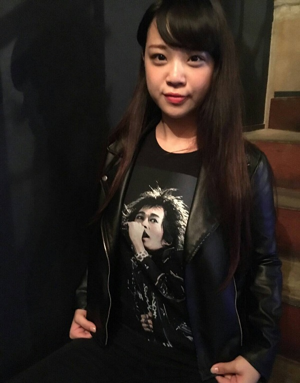 山﨑彩音がモデルで登場「Amplifier」清志郎Tシャツ-たまらんニュース