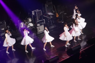 アイドルネッサンス、感謝と決意の4thワンマン「お台場で迸るネッサンス!!」レポート