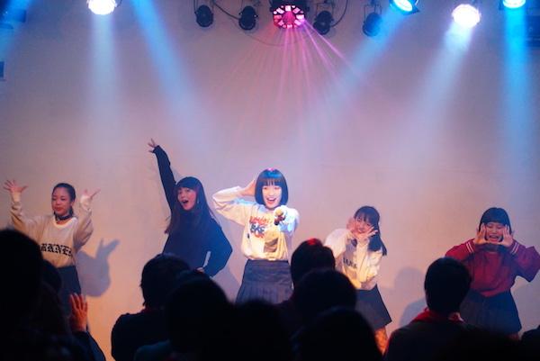 """吉田凜音、16歳の誕生日に""""ぶっちぎり""""宣言―OTOTOYライヴレポ"""
