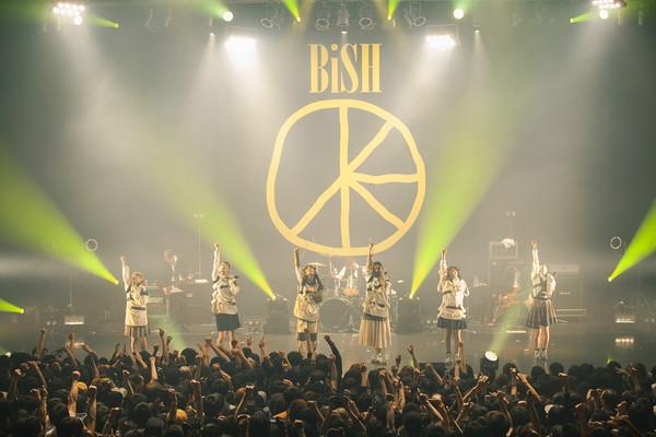 BiSH ワンマン・ツアー初日に早くも次回全国21か所ツアー開催を発表
