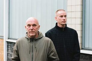 シャーウッド&ピンチ、最新アルバム『Man Vs. Sofa』発売直前に3年振り来日決定