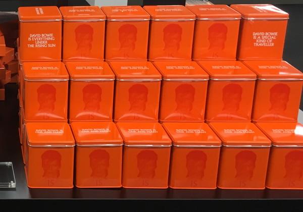 デヴィッド・ボウイ大回顧展でバレンタインチョコプレゼント