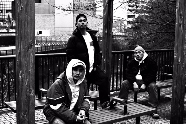 千葉のヒップホップ・ユニット、ROCKASEN、約7年ぶりのニュー・アルバムをフリーダウンロード、OTOTOYでは24bit版もフリーで配信開始!