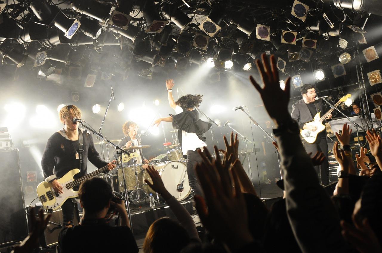 神戸発・FIVE NEW OLD、今夏メジャーデビュー!初のワンマン・ライヴも開催決定