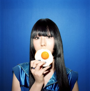 『神撃のバハムート VIRGIN SOUL』エンディングテーマにDAOKO書き下ろし新曲、4月15日配信リリース