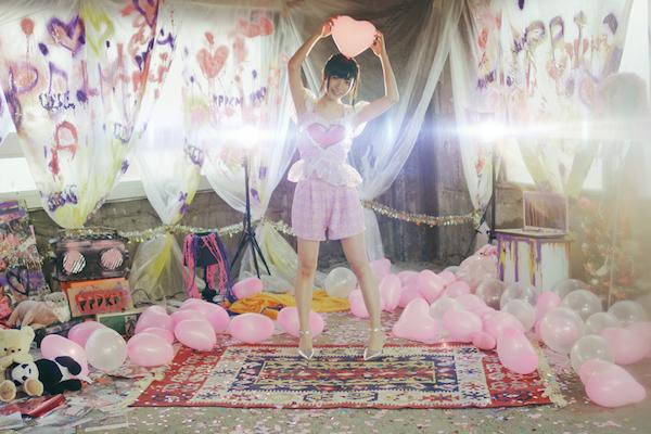 ぱいぱいでか美の新シングルMVで大森靖子、西井万理那、羽井リサコがダンス