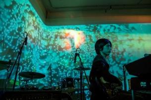 かろうじて人間 ギター担当・宮田涼介がソロで初のピアノ作品集『films』発売