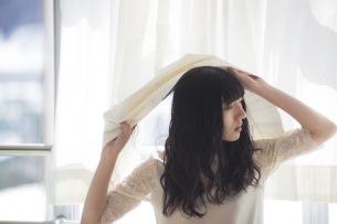 春ねむり、新ミニ・アルバムから「いのちになって」MV公開 ドローン使った空撮映像