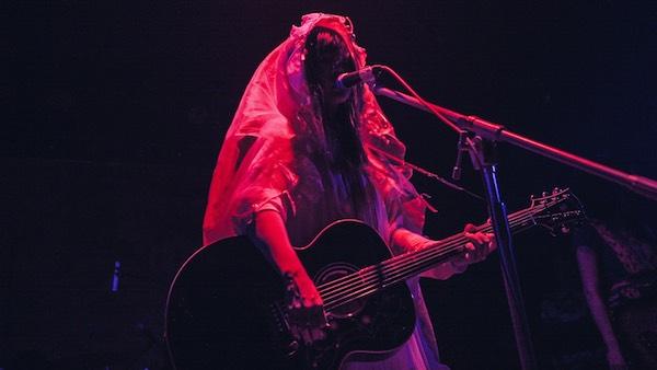 大森靖子〈kitixxxgaia〉ツアー、仙台からスタート「私のすべてをぶちまけるセットリストを用意してきました」――ライヴ・レポート