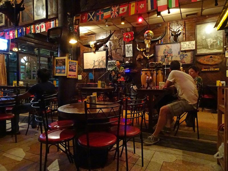 【コラム】ボビーの昔の名前で出ています「バンコクのライヴカフェ、レインツリー」