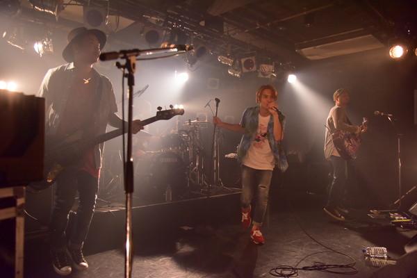Porehead ワンマン・ライヴ〈ウィゴレリラ〉で年内のミニ・アルバム発売を宣言