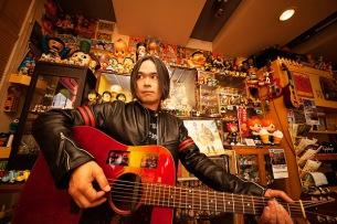中川敬、約2年ぶり通算4作目のアコースティック・ソロ・アルバム『豊穣なる闇のバラッド』発売決定